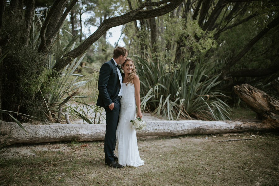 Kelsey and Matt looking gorgeous on their wedding day in Wanaka, New Zealand captured by Wanaka wedding photography Alpine Image Company.