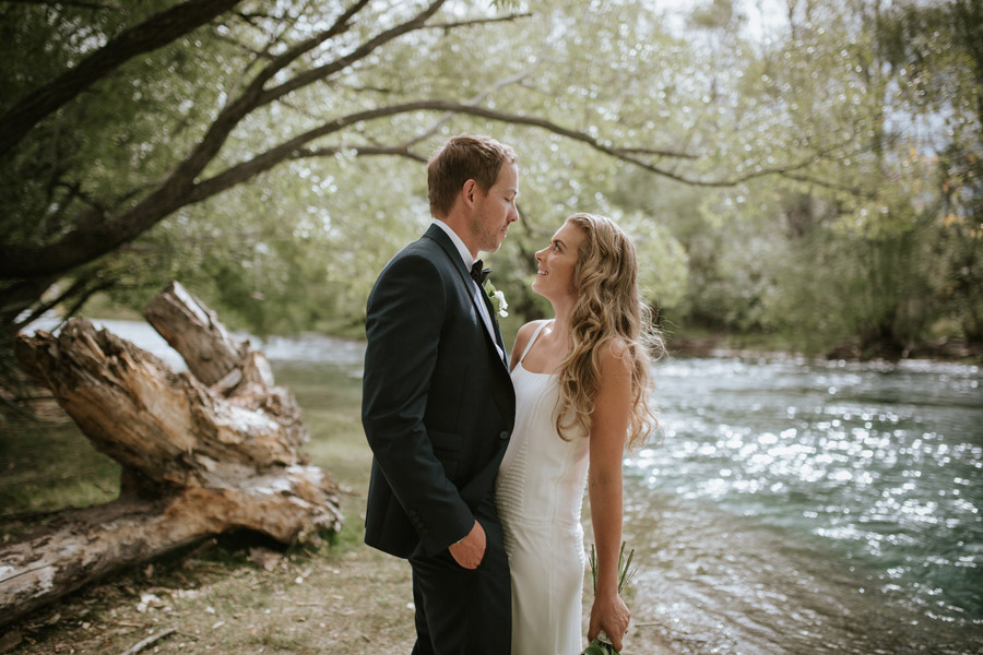 Gorgeous wedding photos from Kelsey and Matt's summer wedding by Wanaka wedding photographers Alpine Image Company.