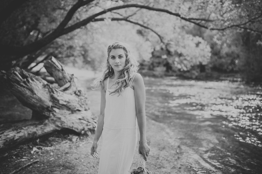 Beautiful Bride Kelsey on her Wanaka wedding day. Wanaka wedding photography by Alpine Image Company.