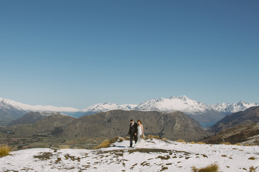 A beautiful Queenstown wedding day for Katie and Bernard. What a gorgeous location for wedding photos in Queenstown, New Zealand.