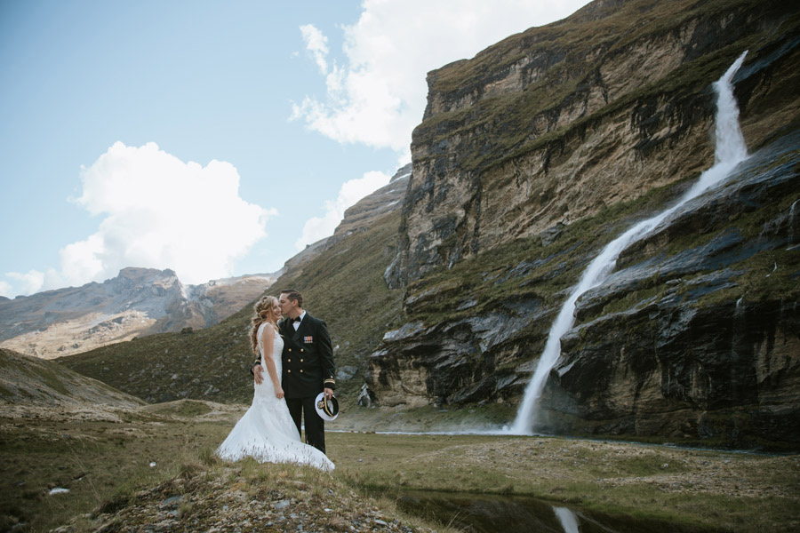 Earnslaw Burn turning it on at this cute couples elopement