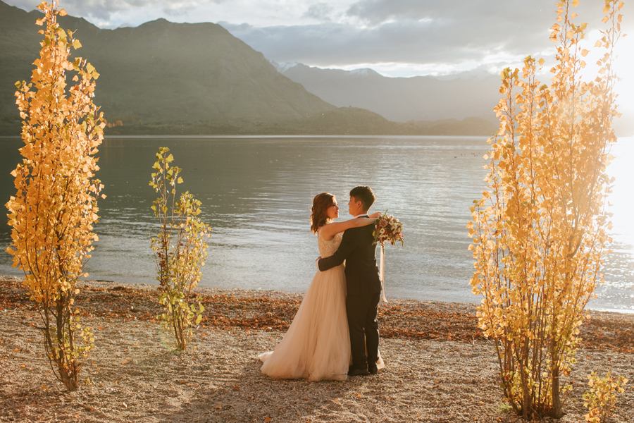 Jamie and Eric had the most perfect day for their autumn pre wedding shoot in wanaka.