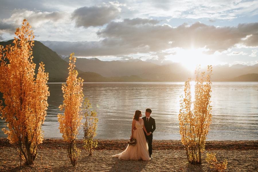 One of the last shots of a perfect pre wedding shoot with Jamie and Eric by the shores of Lake Wanaka.